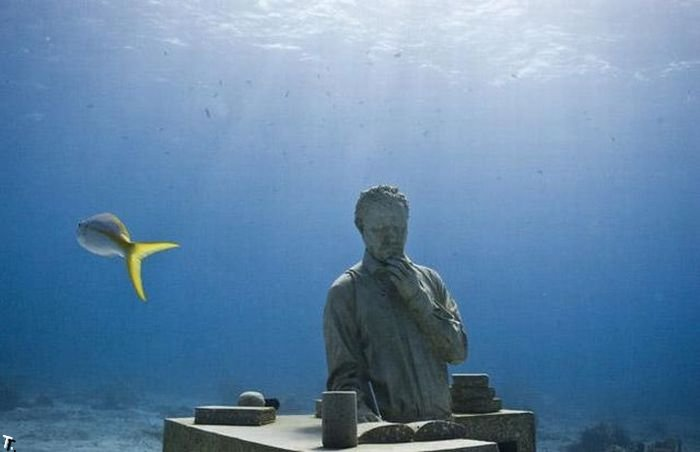 Самый большой подводный музей в мире (14 фото)
