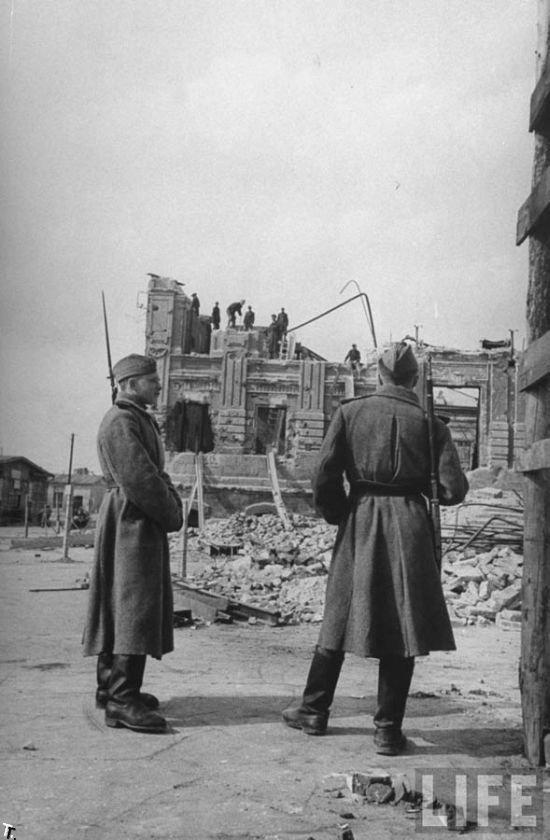 Послевоенный Сталинград. Апрель 1947 (38 фото)