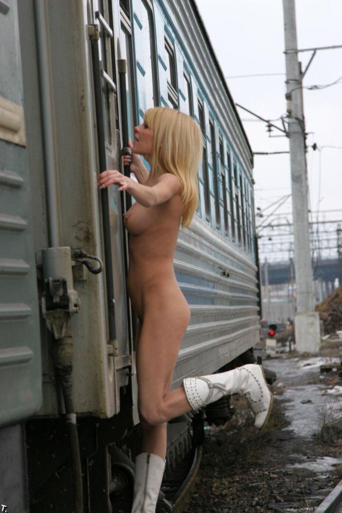 Зимняя девушка (35 фото) НЮ