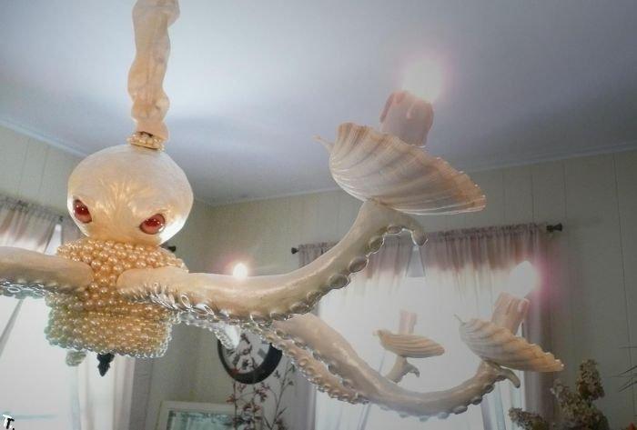 Страшная люстра-осьминог (3 фото)
