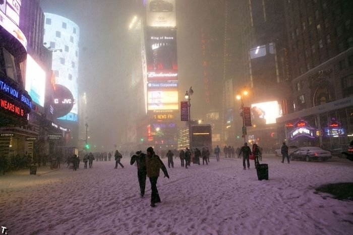 бой снежками фото