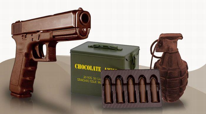 Шоколадное оружие (12 фото)