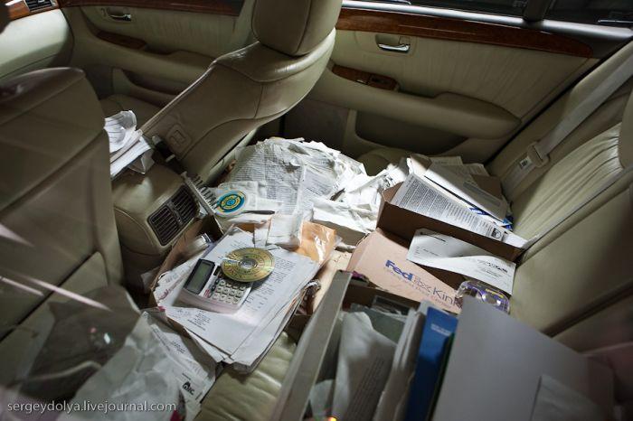 Машина-офис (2 фото)