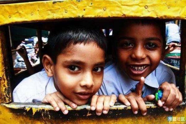 """Школьные """"автобусы"""" Индии (30 фото)"""