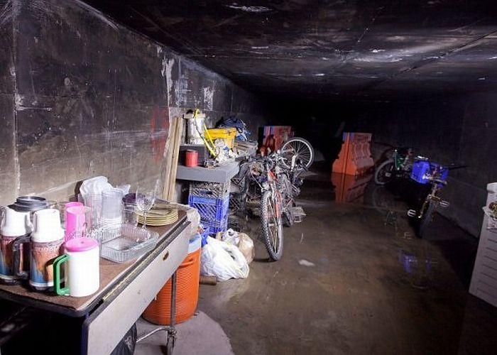 Жизнь в подземных туннелях Лас Вегаса (9 фото)