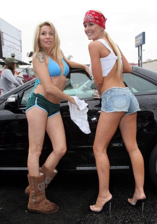 Девушки на автомойке (45 фото)