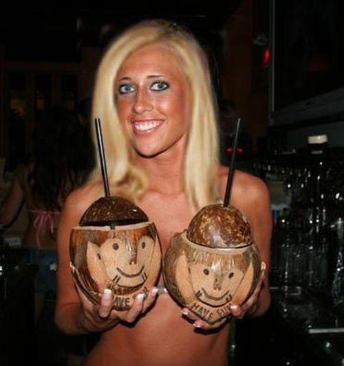 Девушки бармены (52 фото)