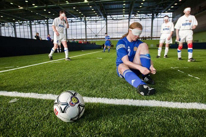Беспощадный женский футбол (22 фото). В Москве прошел Второй