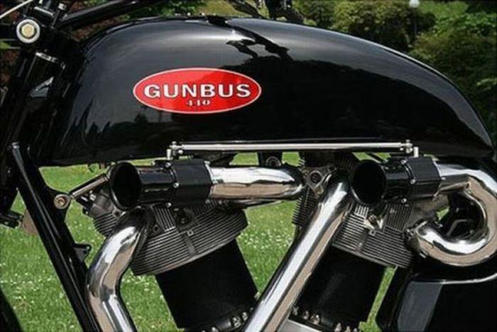 Гигантский байк - Gunbus (17 фото)