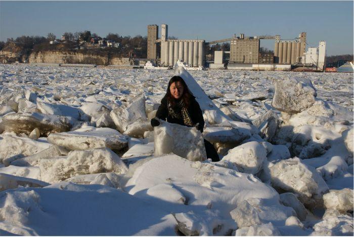 Замерзшая река Миссисипи (6 фото)