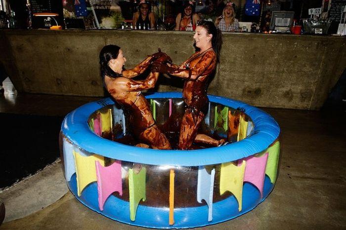 Борьба в бикини (9 фото)