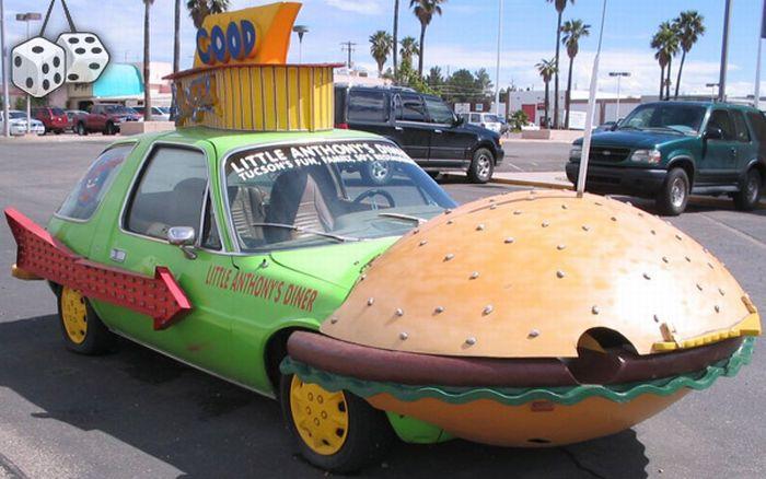 Странные автомобили (139 фото)