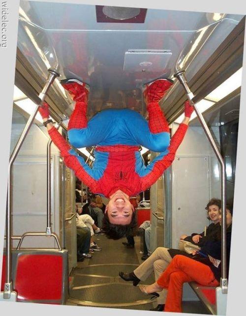 "приколы в метро  "" wwwguru.net- Смешное фото и видео в сети интернет."