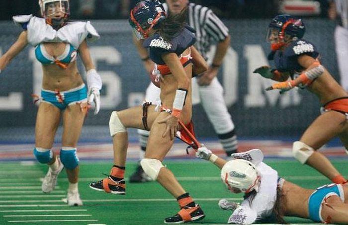 Девушки и американский футбол (22 фото)