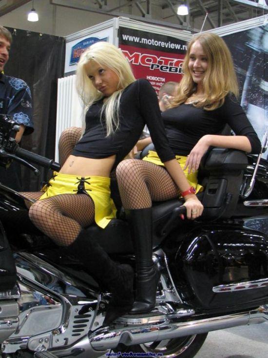Девушки с байк шоу (80 фото)