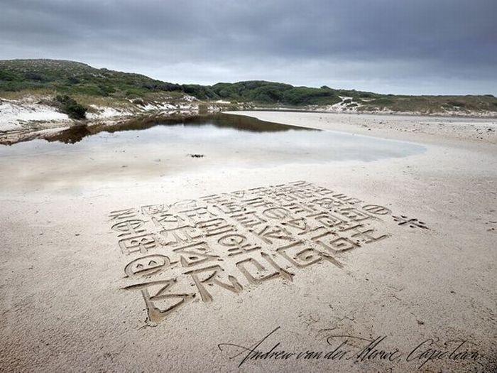 Пляжный каллиграфист (33 фото)