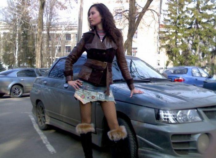 Наши девушки и их автомобили (35 фото)