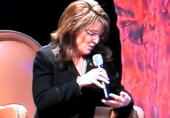 Сара Пэйлин пользуется шпаргалками (6 фото)