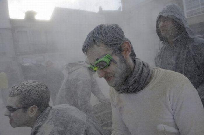 Испанские бои в муке (17 фото)