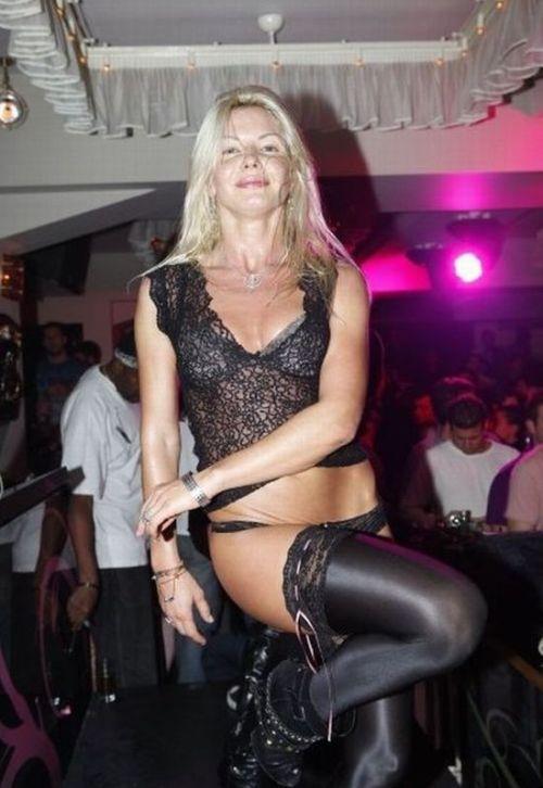 Девушки из ночного клуба в Афинах (66 фото)