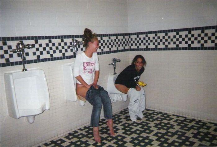 porno-podglyadivanie-zhenskom-tualete