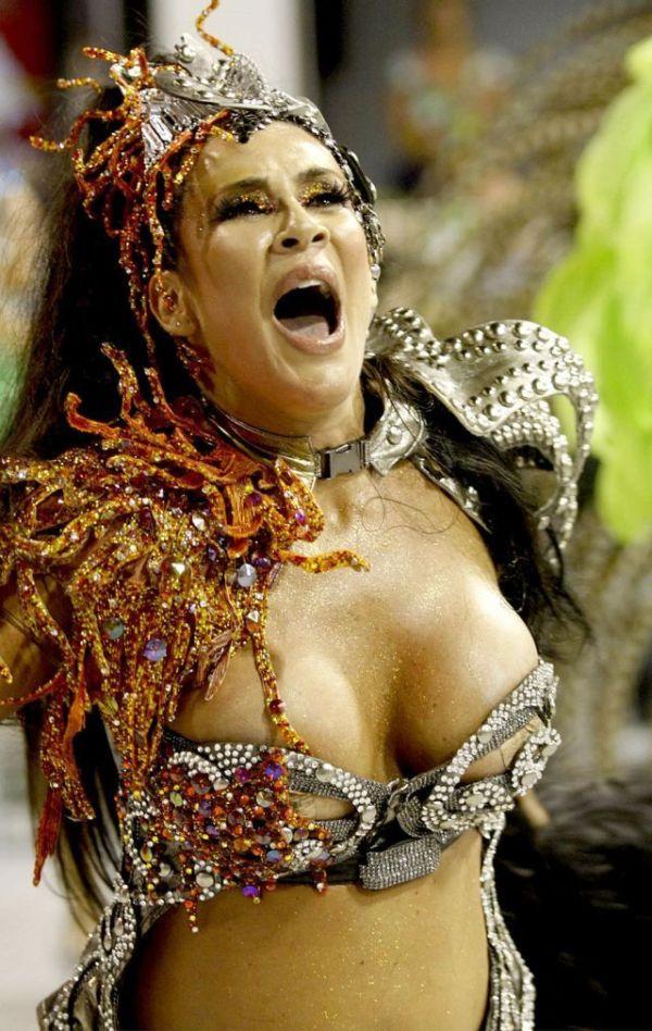 Девушки на карнавале в Рио де Жанейро (125 фото)