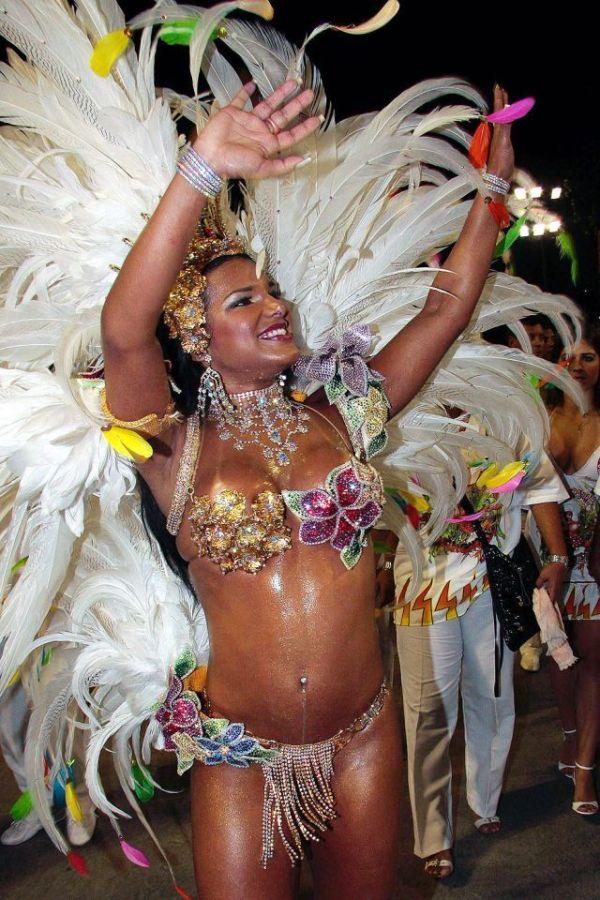 Оргия на карнавале
