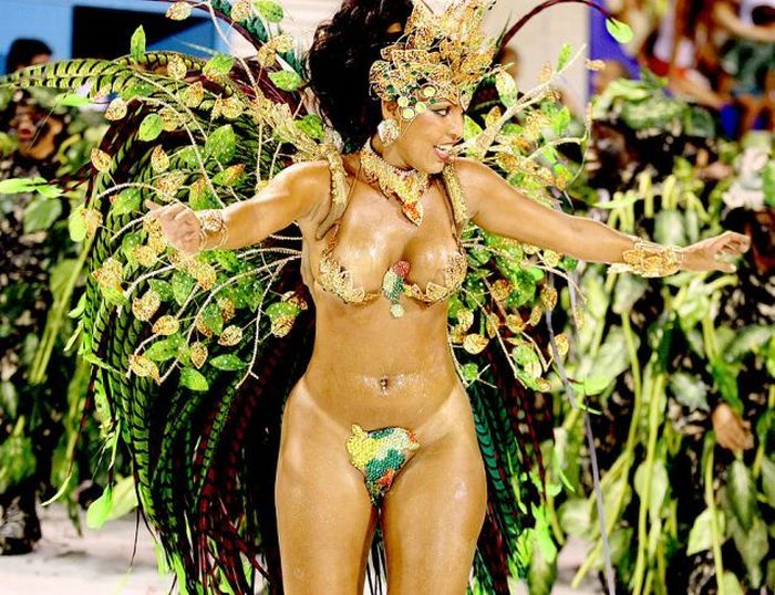 samie-krasivie-golie-zhenshini-na-brazilskih-karnavalah