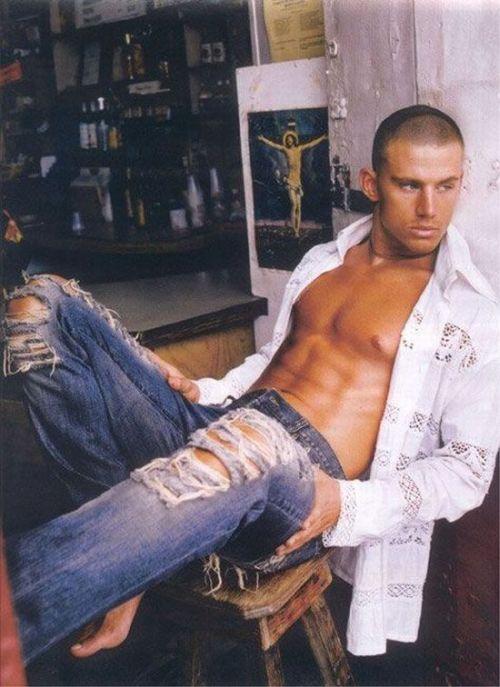 фото красивых мужчин на аватарку: