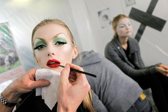 За кулисами недели моды (30 фото)