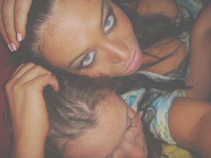 Девушка с накаченными губами (19 фото)