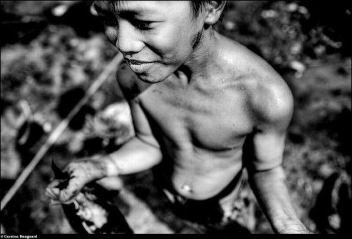 Золотые прииски в Индонезии (31 фото)