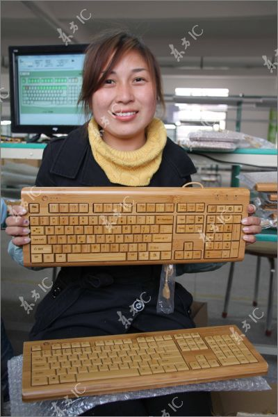 Клавиатура и мышь из бамбука (12 фото)