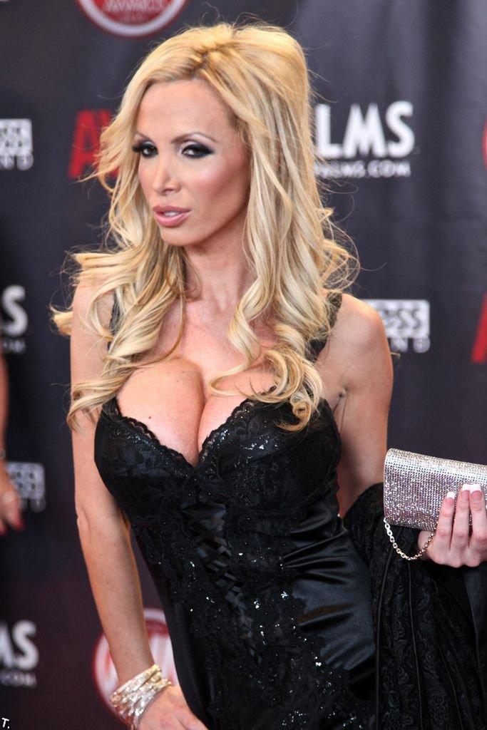 Девушки с AVN 2010 (96 фото)