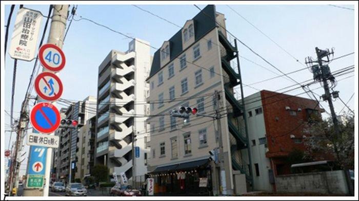 Узкие здания в Японии (22 фото)