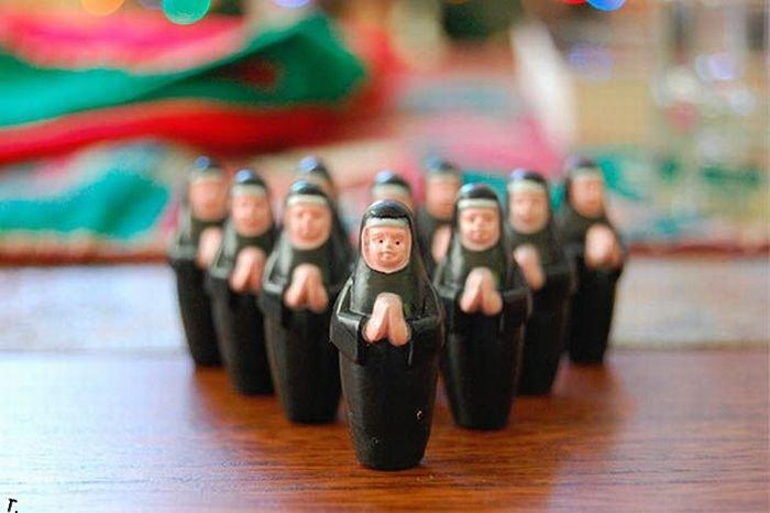 http://de.trinixy.ru/pics4/20100304/funny_and_strange_toys_11.jpg