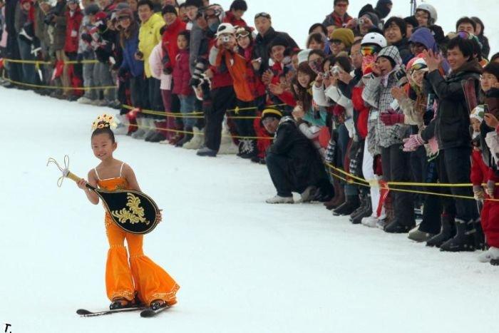 Бикини-спринт в Китае (16 фото)