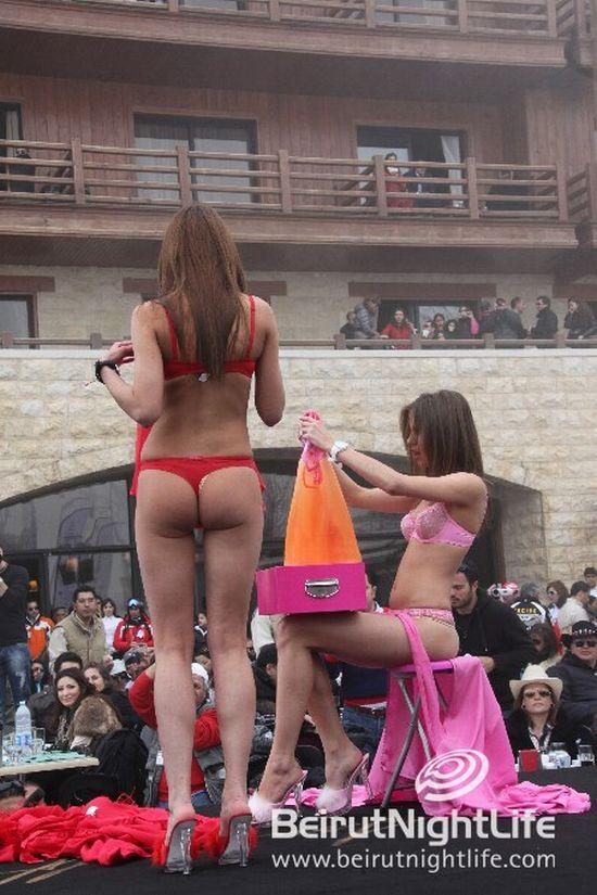Девушки в нижнем белье на лыжном фестивале (77 фото)