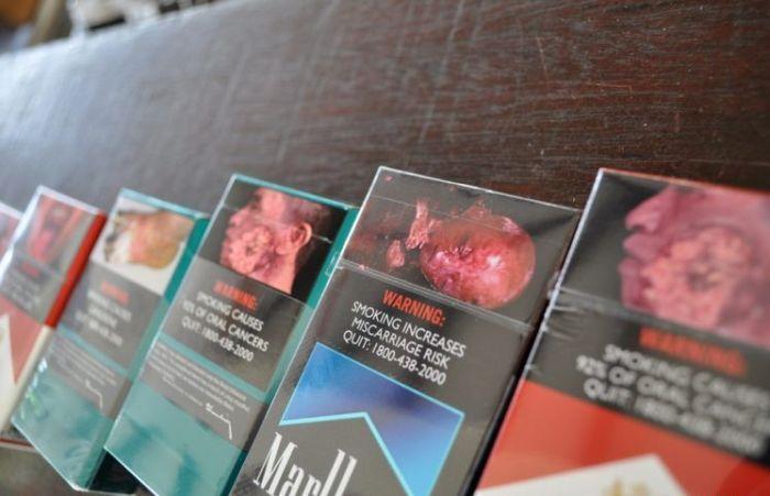 Страшные антитабачные картинки на пачках в Сингапуре (13 фото)