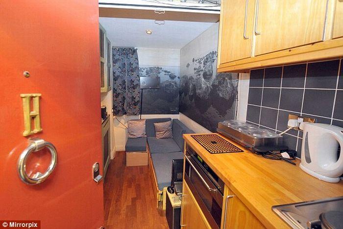 Крошечная квартира в Лондоне за 300 тысяч долларов (4 фото)