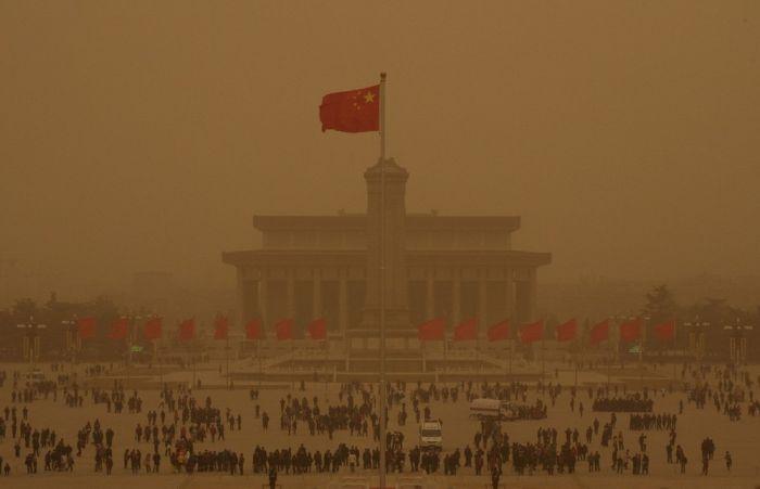 Песчаная буря в Пекине (16 фото)