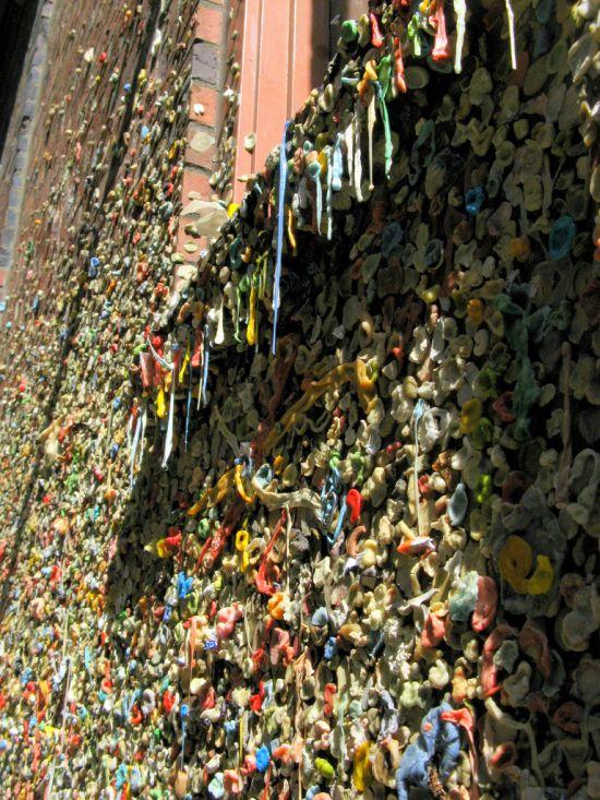 Стена из жвачек в Сиэтле (12 фото)