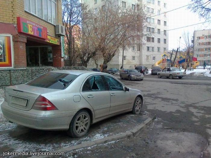 Не паркуйтесь на тротуарах (3 фото)