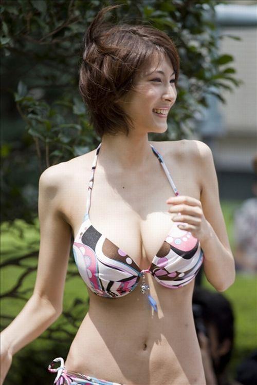 Японские декольте (63 фото)