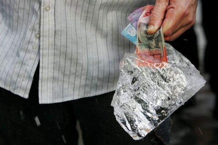 Замороженные деньги (11 фото)