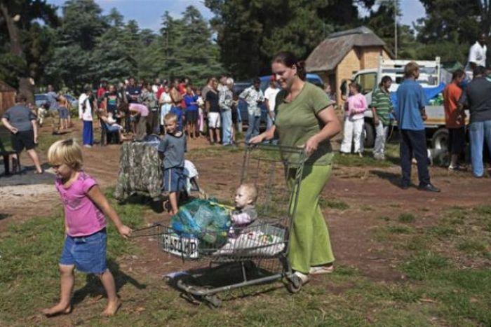 Белые нищие в ЮАР (36 фото)