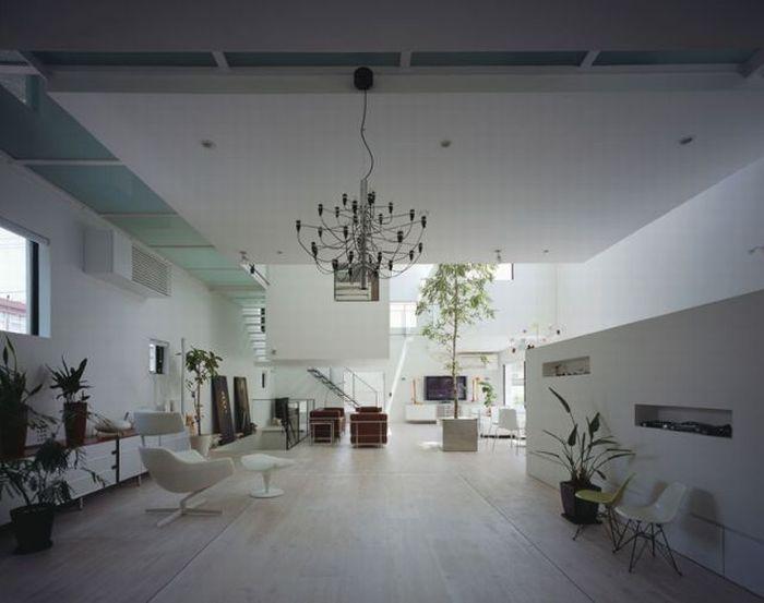 Потрясающий дом в Японии с гаражом на 9 машин (12 фото)