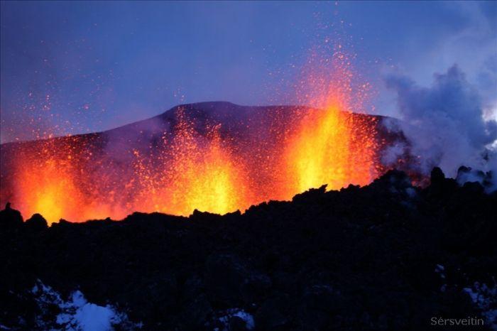 Извержение вулкана в Исландии (30 фото)