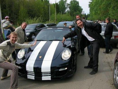Где-то в Сибири разбили Porsche (7 фото)