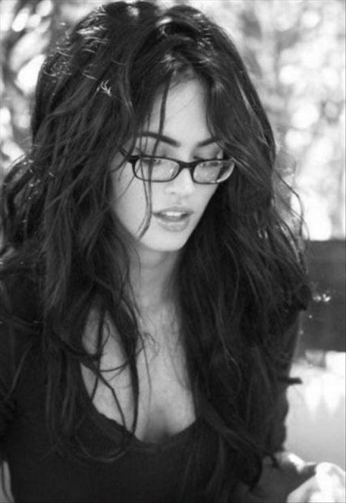 Симпатичные девушки в очках (25 фото)